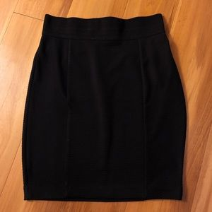 H&M black fitted bandage pencil skirt